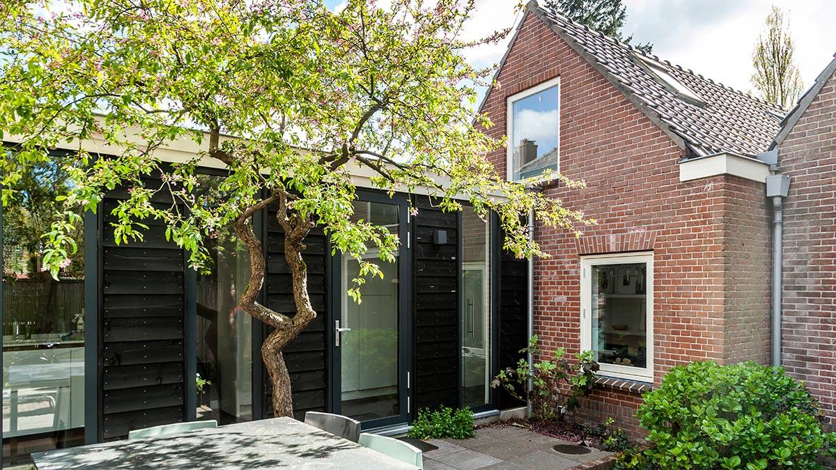 Verbinding tussen woonhuis en schuur gemaakt bouwrijk nieuwbouw verbouw renovatie - Tussen huis ...